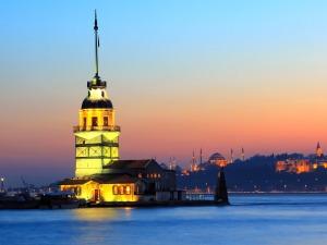 1441125446_portada Torre de Leandro Estambul
